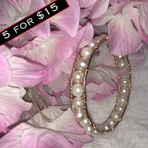 Jewelry - wire wrapped pearl bangle bracelet 🐾